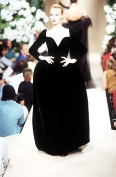 Yves Saint Laurent - Haute Couture - Runway Collection - Women Fall / Winter 1995