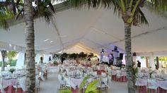 #recepcion #bodasenlaplaya #beachweddings #cancunbodas #bodasdedestino #destinationwedding #partyboutiquecancun #prettyflowers #mobiliario para eventos #mobiliarioparabodas