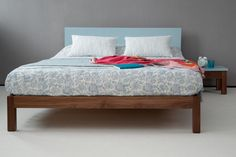 A contemporary painted bed with a solid wood frame and headboard painted in the colour of your choice. This modern painted bed has a frame in oak or walnut. Japanese Style Bed, Japanese Bedroom, Painted Headboard, Painted Beds, Timber Beds, Wood Beds, Eco Furniture, Bedroom Furniture, Low Platform Bed