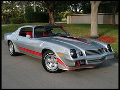 1981 Chevrolet Camaro Z28, like mine only my Z28 had blue stripes and t-tops