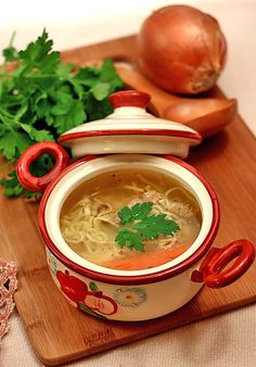 Beef soup with homemade noodles - Lunch Ideas Lunch Recipes, Meat Recipes, Cooking Recipes, Food Wishes, Good Food, Yummy Food, Romanian Food, Portuguese Recipes, The Best