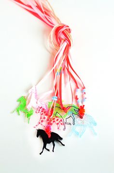 DIY: Colorful horse necklaces- fun wearable project!