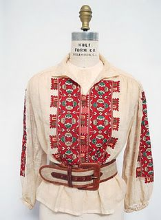 Peasant blouse 1930s-40s via Wearing History