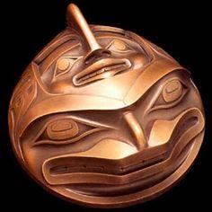 Happy Blowhole - cast bronze sculpture ~ Robert Davidson 1992 (Hung above headboard) Arte Inuit, Arte Haida, Haida Art, Inuit Art, Native Style, Native Art, American Indian Art, Native American Art, Native Design