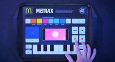 https://www.youtube.com/watch?v=X6zPbogDPgU    O McDonald's Holanda introduziu o McTrax, que são os clássicos papéis que usamos nas bandejas, mas com um modelo que nos permite reproduzir sons e efeitos musicais tocando os diversos botões que ...