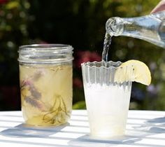 DIY: Lavender Honey Soda by Gardenista First, harvest from five to six lavender flowers, leaving a few inches of stem with leaves on each. Next, make a simple syrup. Bring two cups of water to a boil,. Lavender Soda Recipe, Lavender Syrup, Lavender Honey, Lavender Flowers, Lavender Garden, Refreshing Drinks, Fun Drinks, Yummy Drinks, Beverages