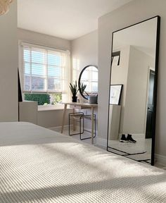 Room Design Bedroom, Room Ideas Bedroom, Home Room Design, Home Decor Bedroom, Minimalist Room, Dream Apartment, Aesthetic Room Decor, Dream Rooms, House Rooms