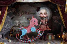 Gwendoline and the horse | por Rebeca Cano ~ Cookie dolls  www.etsy.com/es/shop/cookiedolls