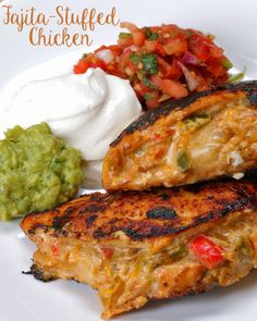 Fajita-Stuffed Chicken No changes to the recipe. - mixed the seasoning together first. Would use maybe store fajita mix for more kick. Does not come close to real fajitas. Low Carb Recipes, New Recipes, Dinner Recipes, Cooking Recipes, Favorite Recipes, Healthy Recipes, Dinner Ideas, Vegetarian Recipes, Low Carb