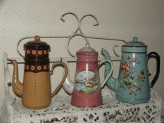 Les cafetières émaillées - Tendance Brocante, magazine de brocante, objets et déco vintage