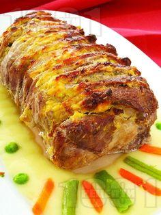 Апетитно свинско контрафиле с пушено сирене и горчица на фурна - снимка на рецептата