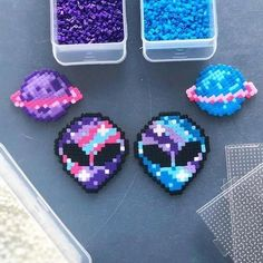 Good Pic Embroidery Designs with beads Style Perler Bead Patterns Herz – Perlmutt Muster Herz – Perler Bead Designs, Easy Perler Bead Patterns, Melty Bead Patterns, Hama Beads Design, Perler Bead Templates, Diy Perler Beads, Beading Patterns Free, Perler Bead Art, Weaving Patterns