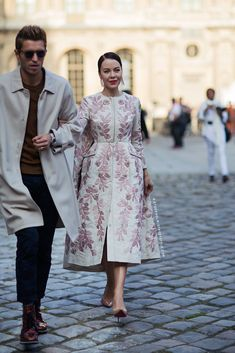Look Fashion, Street Fashion, High Fashion, Winter Fashion, Womens Fashion, Fashion Trends, Fashion Coat, Ulyana Sergeenko, Mein Style