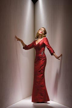 2015 V-back 3/4 length Sleeves V-neck Satin Red Ruched Floor Length Sheath Mother of the Bride Dresses MBD0096