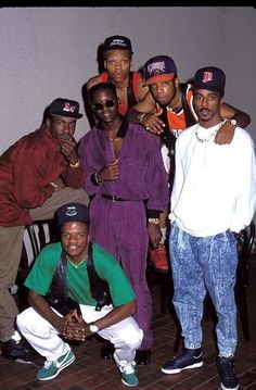 Ronnie Devoe, Bobby Brown, Ralph Tresvant, Johnny Gill, Michael Bell and Michael Bivins New Edition at the 1990 MTV Video Music Awards New Jack Swing, Hip Hop And R&b, 90s Hip Hop, Edgar Alan Poe, The Jackson Five, Ralph Tresvant, Arte Hip Hop, Old School Music, Black Celebrities