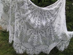 Lace Knitting Patterns, White Lilies, Knitted Shawls, Shibori, Knitting Projects, Knit Crochet, Lily, Sewing, Inspiration