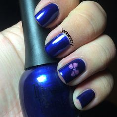Artist's Sapphire by Finger Paints. 44 by Mundo de Unas. Top/base by Glisten and glow. Stamper from Pipe Dream Polish. Plate from Born Pretty. Dried by our USpicy Seashell Fan. Photo by jackweezy on Instagram