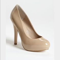 Steve Madden nude patent leather pumps Nude patent leather pumps. 4.5 inch heels. Worn only a few times. Bottom of the shoes are dirty from stepping in grass and there are a couple of tiny scratch marks. Otherwise in really good condition. Steve Madden Shoes Heels