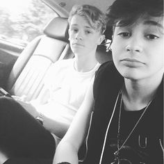 Leondre e Charlie de Bars and Melody (BAM)
