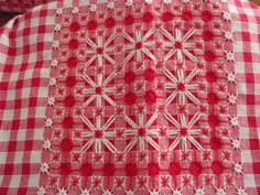 Discover thousands of images about Embroidery Techniques, Embroidery Stitches, Embroidery Patterns, Hand Embroidery, Chicken Scratch Patterns, Chicken Scratch Embroidery, Chicken Cross Stitch, Bordado Tipo Chicken Scratch, Gingham Fabric