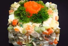 """Olivier"" salad is a healthy alternative to ""Boeuf"" salad that is made with mayonnaise. Recipe in romanian Olivier Salad, Menu, Food Festival, Healthy Alternatives, Allrecipes, Broccoli, Healthy Life, Zucchini, Sushi"