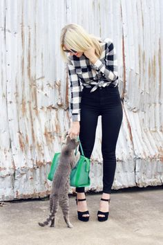 Love the tied flannel and the high-waisted jeans!