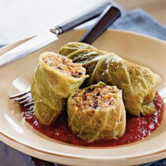 Vegetarian Golabki Polish Stuffed Cabbage Rolls--use brown rice or quinoa depending on phase. Make it VEGAN by using vegan Worcestershire sauce (can be bought on Food Fight! Vegetarian Recipes, Cooking Recipes, Healthy Recipes, Vegetarian Dinners, Snack Recipes, Polish Stuffed Cabbage, Stuffed Cabbage Leaves, Comida Keto, Polish Recipes