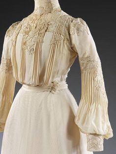 1902 made by Houghton & Dalton. From Victoria and Albert Museum