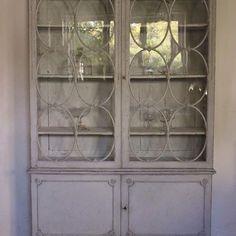 #antikgården #antik #antiques #cabinet #vitrineskab #home #nordiskehjem #nordiskahem #gilleleje #hornbæk #tisvilde #nordsjælland