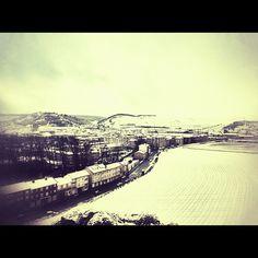 #myinstagram365proyect día038 y finalmente, los primeros #copos de #nieve empezaron a cubrir los #tejados de #aguilardecampoo .#palencia #igerscyl #igerspalencia