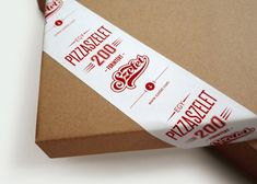 Szelet pizza packaging designed by Kiss Miklos.