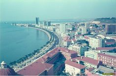 Vista da baia de Luanda em 1973.