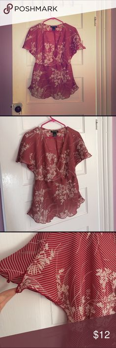 🌾Red floral blouse🌾 Very pretty, Asian inspired blouse. See through. Great condition. Flowy and light, perfect for summer. Size 12.🌸 Jonathan Martin Tops Blouses