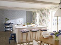 Floral Bazaar from the Papavera collection by @SandersonFW . Available at Rodgers of York #Interiors