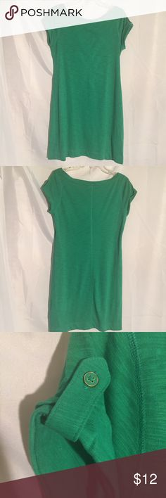 Green BR Banana Republic tshirt dress size S Green BR Banana Republic tshirt dress size S. I love to bundle items to save you money! I don't trade though!!!! Most of my prices are negotiable so feel free to make an offer and create a bundle to save even more!!!! Remember when you bundle you are saving on the shipping!!!! Banana Republic Dresses