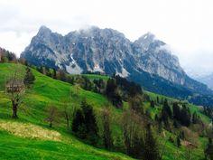 View of Grosser Mythen, Mostelberg, Sattel, Schweiz.
