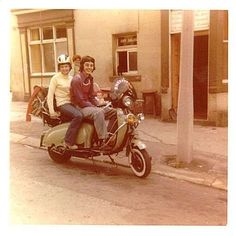 Boys Scooter, Retro Scooter, Lambretta Scooter, Native Brand, Skinhead Fashion, Old Motorcycles, Vintage Art, Parka, Scooters