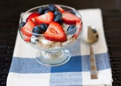 Healthy Breakfast Recipe: Greek Yogurt Parfait from handletheheat.com