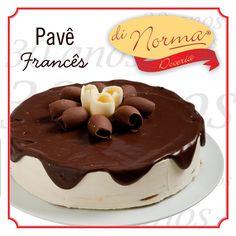 Pavê Frances  Delicioso pavê  de baunilha, cobertura de chocolate e rolinhos de chocolate ao leite e chocolate branco