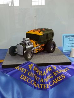 Hot Rod cake made by Jenny from Lavish Cakes for a competition. place and most outstanding exhibit - decorated cakes Car Cakes For Men, Birthday Cakes For Men, Birthday Ideas, How To Make Cake, Cake Designs, Amazing Cakes, Hot Rods, Cake Decorating, Birthdays