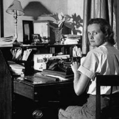 Daphne du Maurier, have (and love!) all her books!