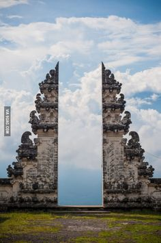 Pura Lempuyang Door (Bali, Indonesia)