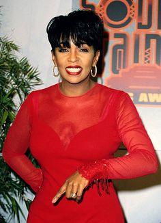 Anita Baker (June June is Black Music Month, Countdown of Shamontiel's Top 30 African-American Artists Soul Singers, Female Singers, Music Icon, Soul Music, Indie Music, Beautiful Black Women, Beautiful People, Beautiful Voice, Gorgeous Hair