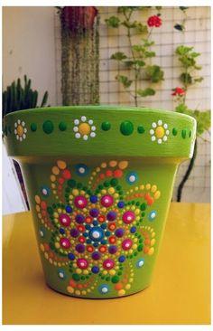 Flower Pot Art, Flower Pot Design, Clay Flower Pots, Flower Pot Crafts, Clay Pot Projects, Clay Pot Crafts, Diy And Crafts, Painted Plant Pots, Painted Flower Pots