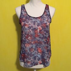 Chloe K top Chloe K top, size small, great condition with no flaws, cute pattern and an open back design, bundle to save ❤️ Chloe K Tops Tank Tops