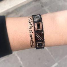 """314 Me gusta, 2 comentarios - Emel Sibel , Miyuki (@sibelinelsanatlari) en Instagram: """"@veciheuskan49 ❤️✌ #desing#desen#miyuki#miyukibeads#takı#jewelrybox…"""""""