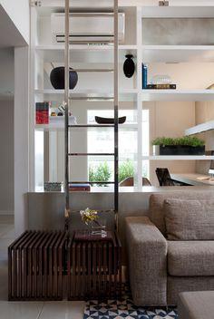 Decoração de: ar condicionado na estante; Casa de Valentina