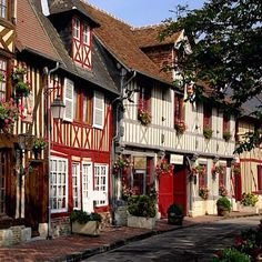 Normandy Route du Cidre ____________________________ Normandy is famous for its abundance of apple orchards and cider making, so no trip to the region would be complete without indulging in some of the local beverages. There is a clearly signed route call