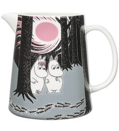 Children and adults alike fall in love with the sympathetic characters of Moomin Valley as created by the author Tove Jansson. The Arabia artist Tove Slotte-Elevant has designed the delightful Moomin objects in keeping with the original drawings. Moomin Shop, Moomin Mugs, Moomin Valley, Tove Jansson, Ceramic Pitcher, Ceramic Tableware, Partys, Plates And Bowls, New Adventures