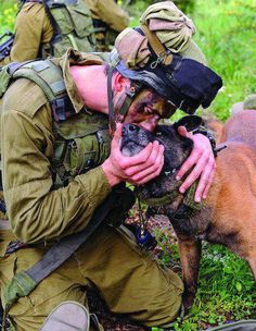 #stoppuppymills Kiss, kiss. Wonderful love of his battle buddy.